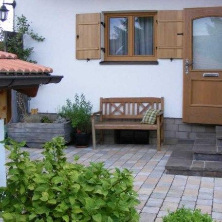 Hauseingang mit  Küchenfenster, © im-web.de/ Gemeinde Hausham