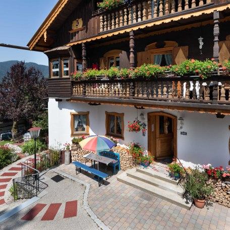 Gästehaus Forelle im Sommer, © forelleschliersee
