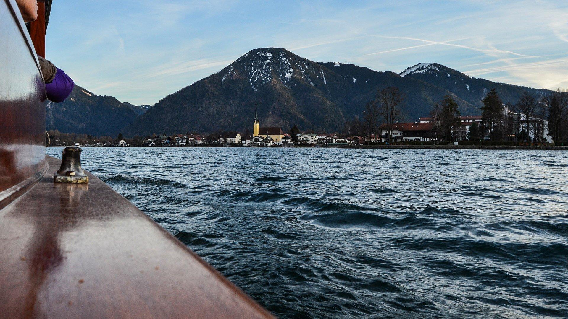 Tegernsee Schiff Winter, © Florian Liebenstein
