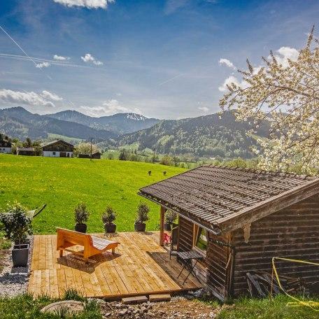 Sonnenterasse mit Grillplatz, © im-web.de/ Gäste-Information Schliersee in der vitalwelt schliersee