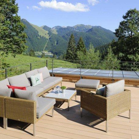 Panorama Terrasse mit Loungemöbel, © im-web.de/ Gäste-Information Schliersee in der vitalwelt schliersee