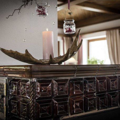 Unser Kachelofen sorgt für Gemütlichkeit, © im-web.de/ Gäste-Information Schliersee in der vitalwelt schliersee